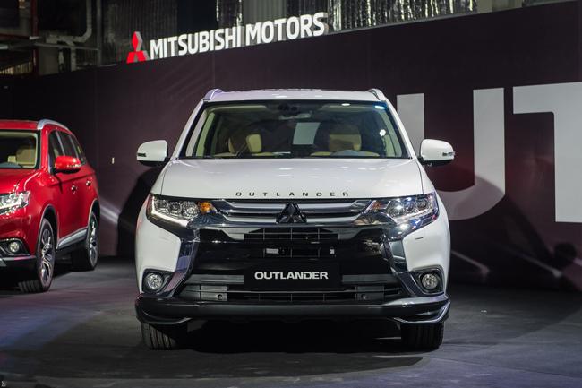 Mua Mitsubishi Outlander trả góp - Bảng giá trả góp chi tiết xe Outlander
