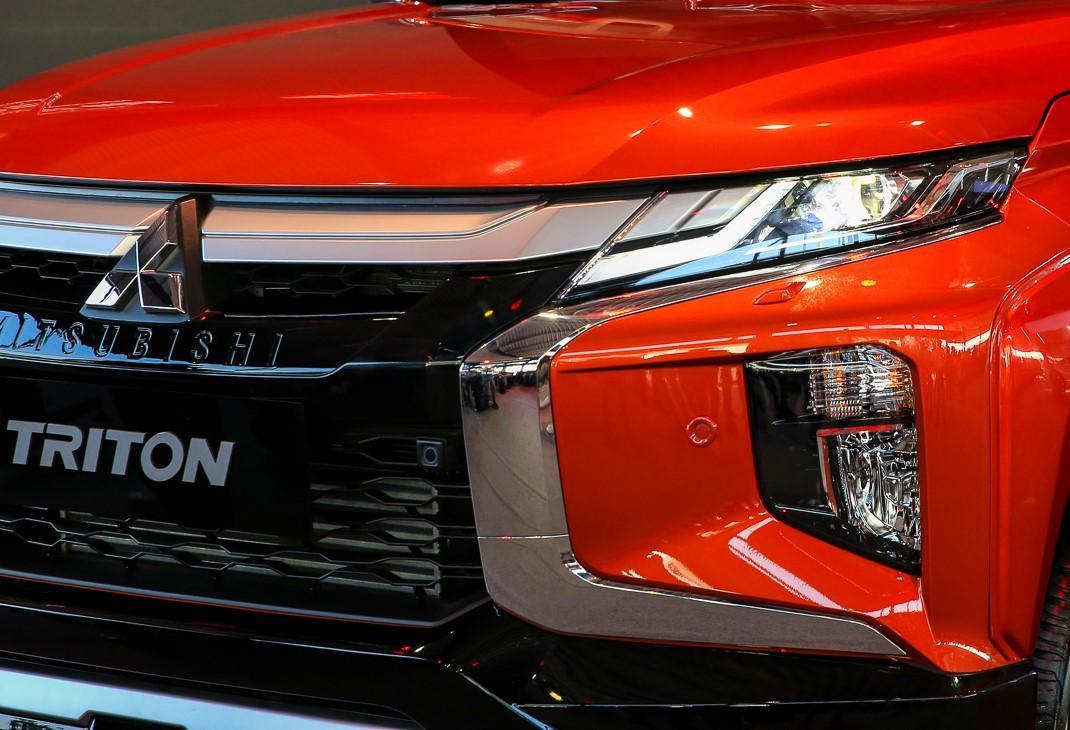 đầu xe triton 2020